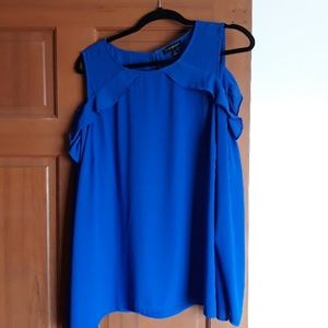 Blouse with cold shoulder